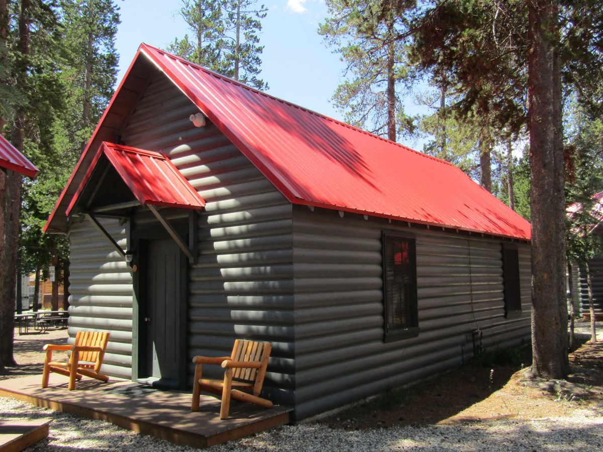 Yellowstone Cabins & Camp; RV Inc.