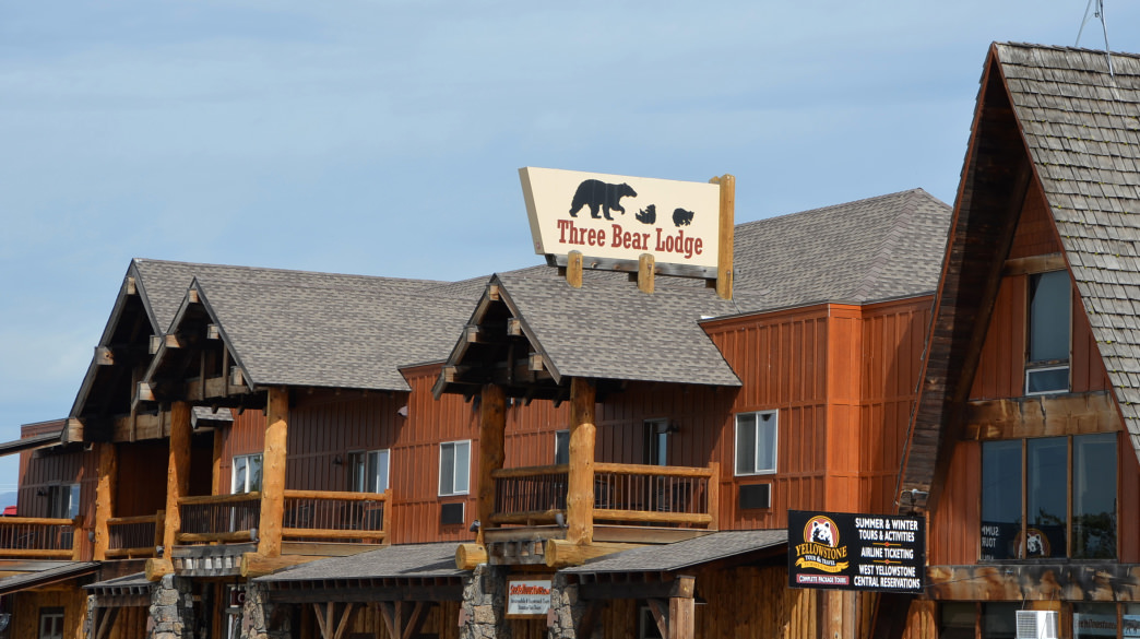 Montana Yellowstone Three Bear Lodge
