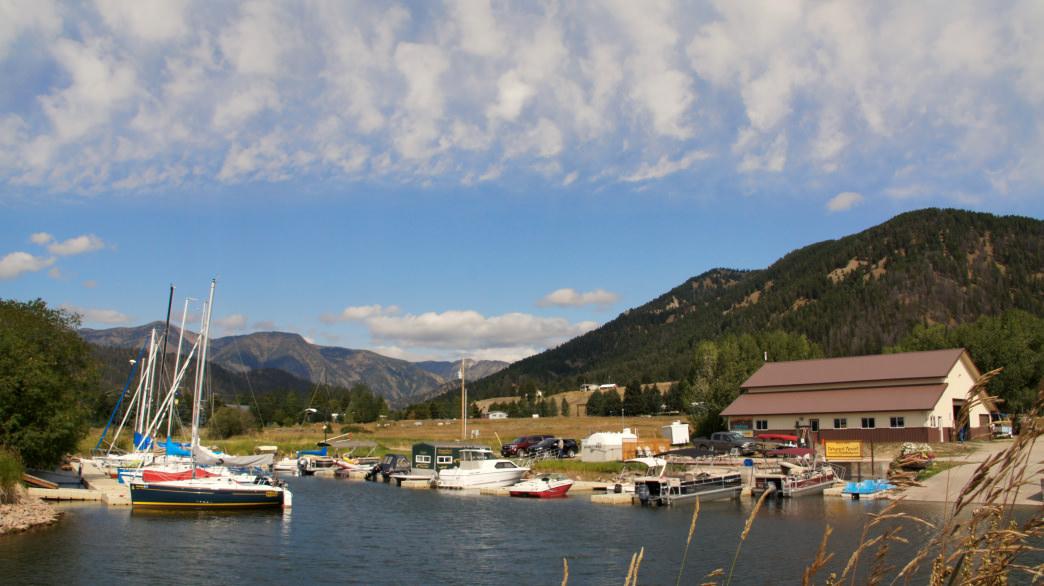 Montana-West yellowstone-lake